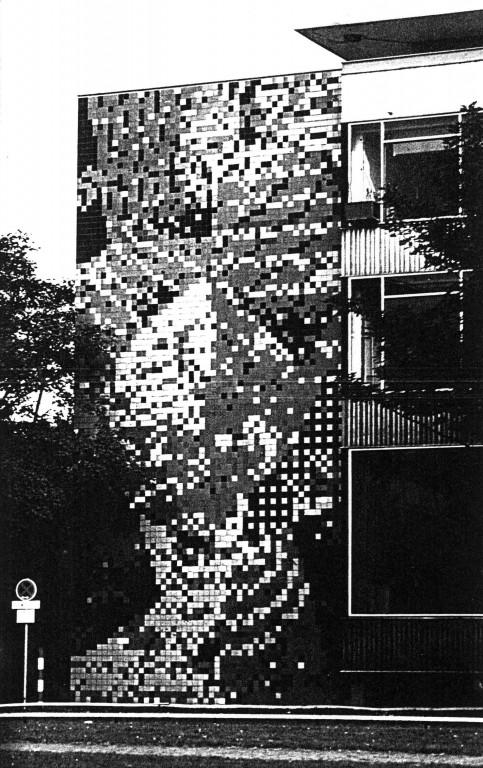 Fassade des Institutes für Werkstoffkunde mit einem Mosaik nach Entwurf von Ludwig Schaffrath, um 1960
